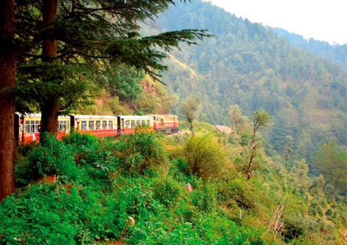 Kalkañ Shimla Railway travelling through India