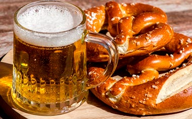 Beer and traditional German pretzels